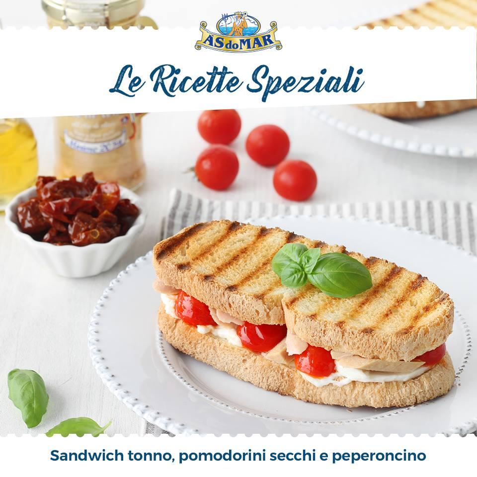 Ricette Speziali - Sandwich con tonno, pomodorini secchi e peperoncino